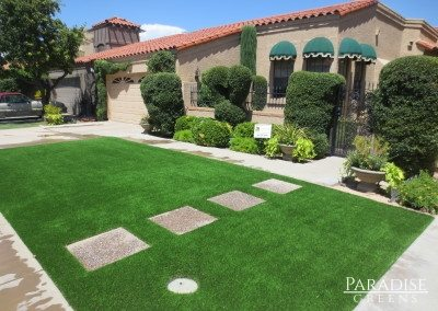 Artificial Grass Front Yard in Sun City, AZ