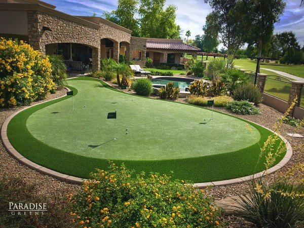 Putting Green in Paradise Valley